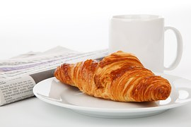 croisant with coffee
